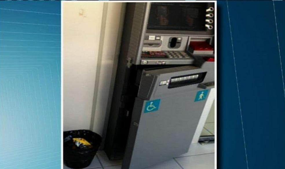 Polícia procura outros suspeitos de terem participado do crime. Dinheiro não foi recuperado. (Foto: Reprodução/TV Verdes Mares)