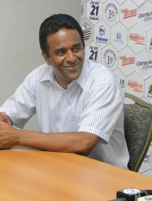 José Eduardo Ferreira, gerente da Lacerda Sports - gestora do Comercial (Foto: João Fagiolo / Globoesporte.com)