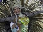 Destaque da União de Jacarepaguá desfila com onça desenhada no corpo