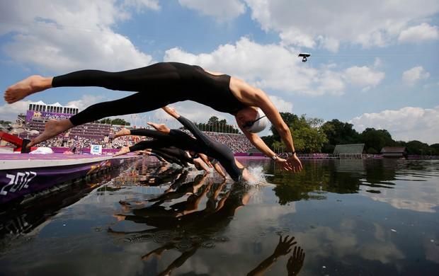 maratona aquática largada londres 2012 (Foto: Agência Reuters)