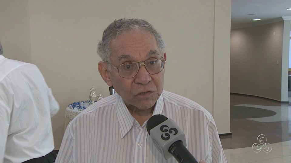Vice-Presidente de Jornalismo da Rede Amazônica, Milton Cordeiro, durante entrevista (Foto: Jornal do Amazonas)