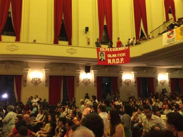 Ato pela legalidade e democracia no Centro de São Paulo (Foto: Lívia Machado/G1)