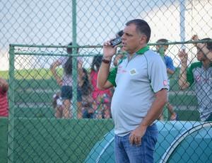 Toninho Andrade, técnico da Cabofriense (Foto: Léo Borges/NaJogada)