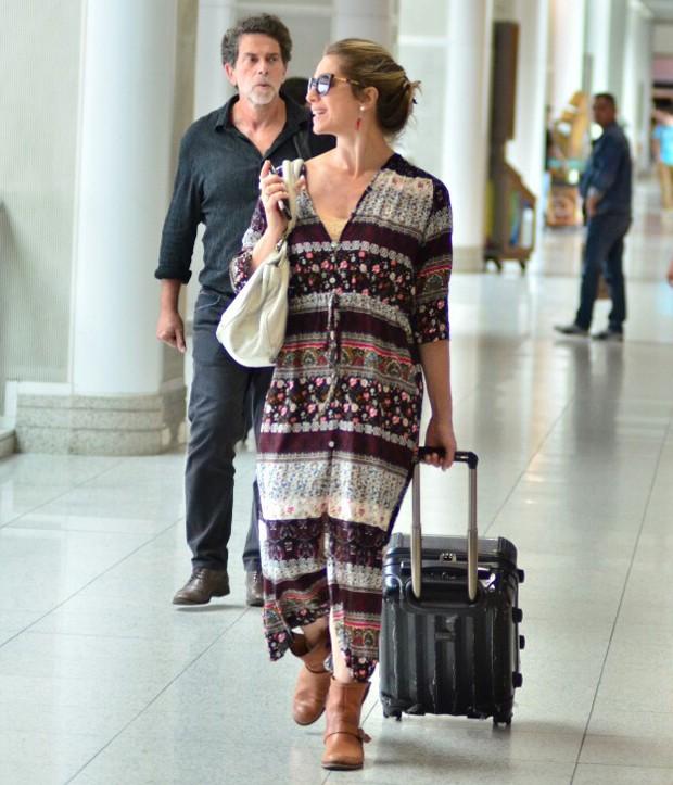 Letícia Spiller embarcando no Aeroporto Santos Dumont, no Rio de Janeiro (Foto: AgNews)