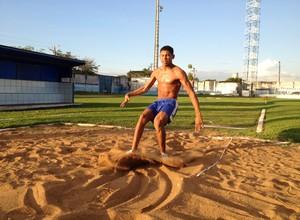 O paratleta de Rondônia Mateus Evangelista é recordista brasileiro de salto em distância (Foto: Hugo Crippa/GLOBOESPORTE.COM)