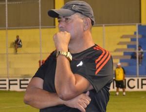 Domício Leite, vice-presidente e técnico do Lucena (Foto: Lucas Barros / GloboEsporte.com/pb)