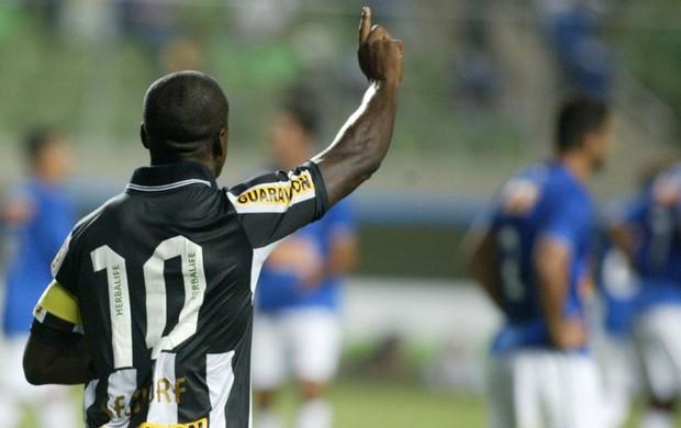 Seedorf gol Botafogo (Foto: Paulo Fonseca / Futura Press)