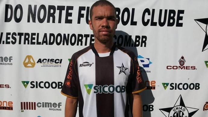 Ernandes, atacante do Estrela do Norte (Foto: Divulgação/Estrela do Norte FC)