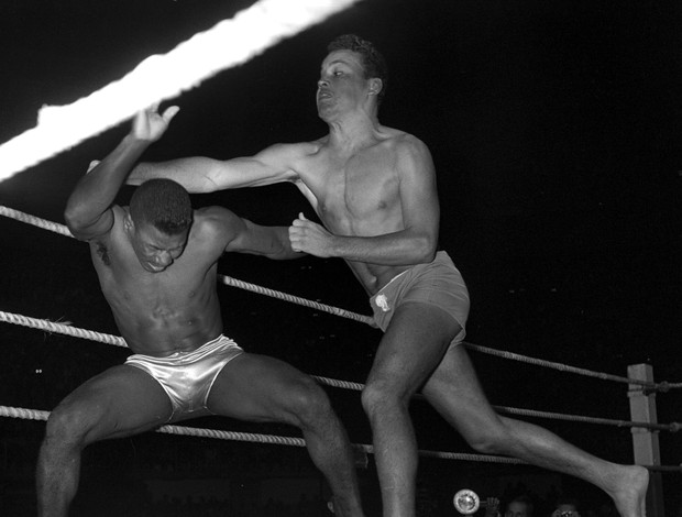 Carlson Gracie x Valdemar Santana, 1956, MMA (Foto: Arquivo / O Globo)