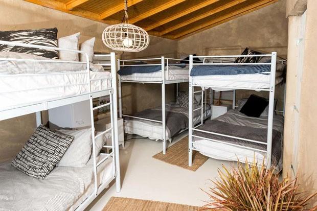 Austrália inaugura primeiro hostel feito de areia (Foto: Divulgação)