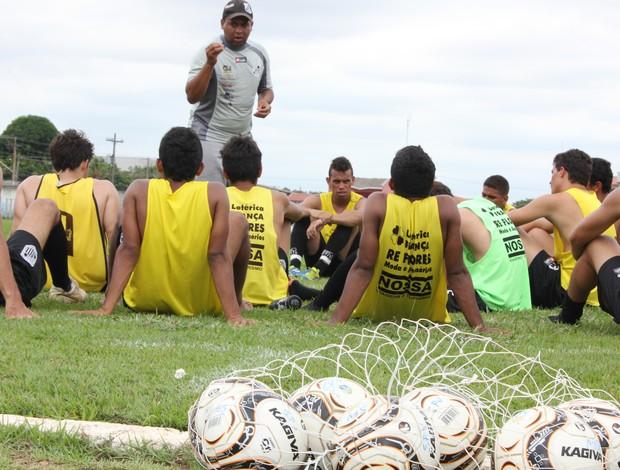 Santos Porto Velho faz último amistoso antes da Segundinha (Foto: Shara Alencar/GLOBOESPORTE.COM)