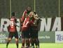 Árbitro relata invasão de torcedor no jogo entre Vitória e Flu de Feira