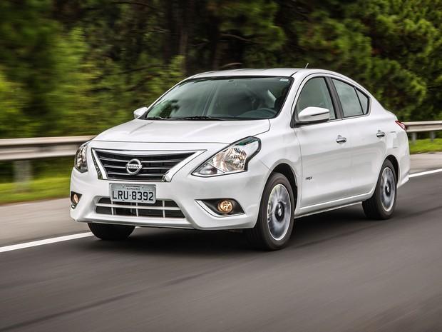 Auto Esporte - Primeiras impressões: Nissan Versa 2016