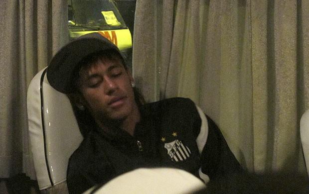 Ganso Neymar chegada Santos Santa Cruz de la Sierra (Foto: Marcelo Hazan / Globoesporte.com)