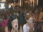 Arcebispo suspende mãos dadas e hóstias na boca para evitar vírus H1N1