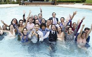Gravação do casamento de Laura e Caíque emocionou elenco; veja vídeo (Raphael Dias/Gshow)