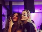 Beyoncé e Rita Ora fazem biquinho para foto