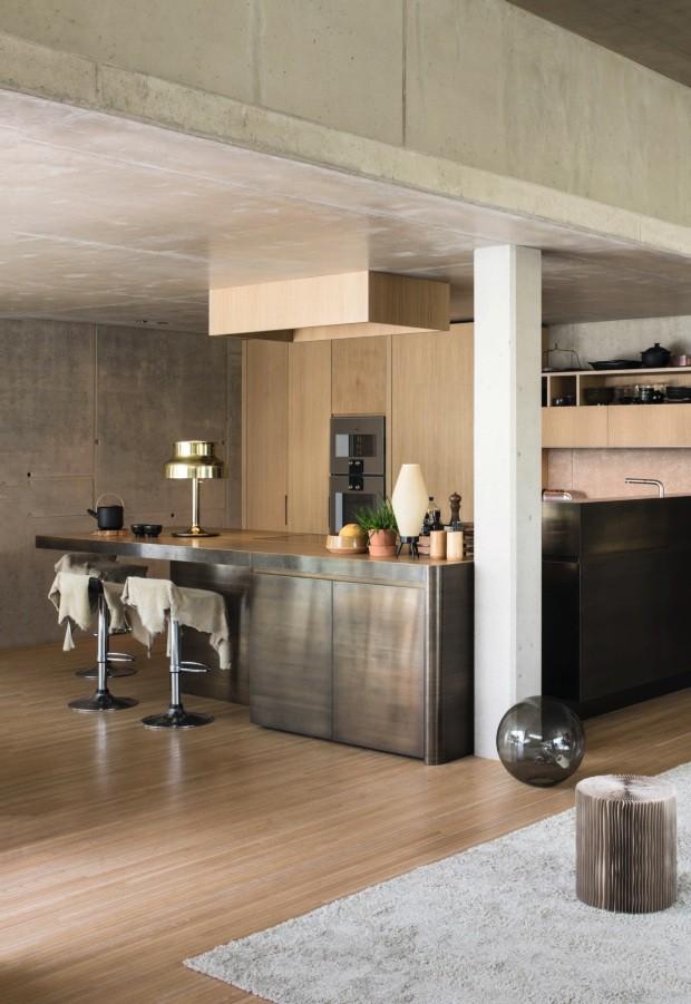 Estilista cria apartamento cool em prédio industrial na Bélgica (Foto: Verne Photography)