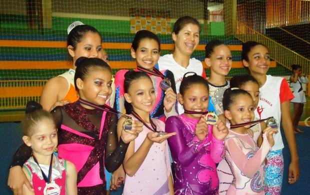 Atletas de MS na ginástica artística (Foto: Divulgação/Funesp)
