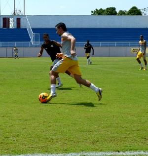 Coletivo do Rio Branco, antes de jogo contra o Anapolina (Foto: Quésia Melo)