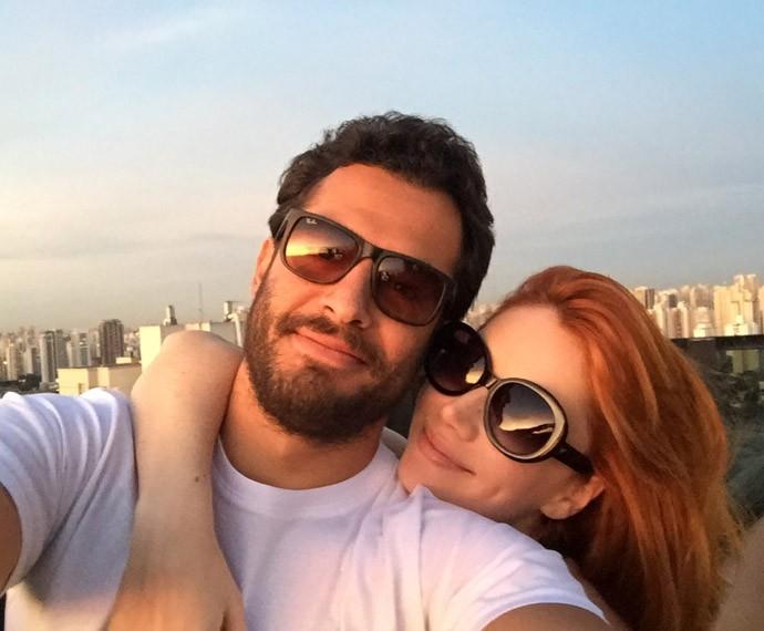 Na vida real, Gabi Petry namora João Sabiá (Foto: Arquivo Pessoal)