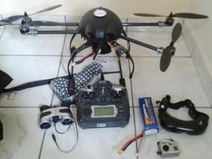Drone levaria aparelhos e objetos para dentro do presídio, segundo a PM (Foto: Polícia Militar/Divulgação)