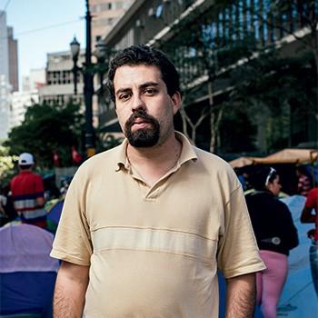 BOLIVIANO O filósofo Guilherme Boulos diz admirar os regimes adotados na Venezuela e na Bolívia (Foto: Filipe Redondo/ÉPOCA)