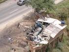Colisão de caminhão com carreta na BR-232 mata motorista de 62 anos