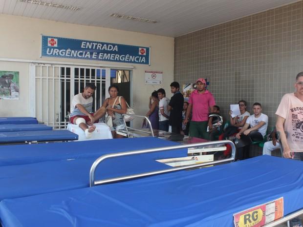Segurança deu entrada no Hospital de Urgência de Teresina (Foto: Catarina Costa / G1)