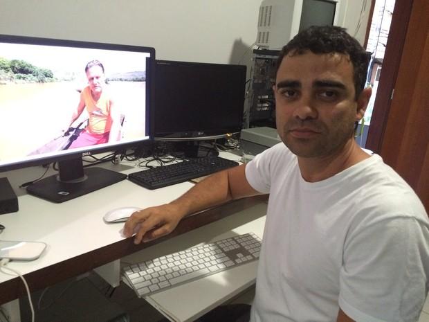 Jovander Pito, morador de Baixo Guandu, foi quem gravou a cena de Rodrigo chorando (Foto: Flávia Mantovani/G1)
