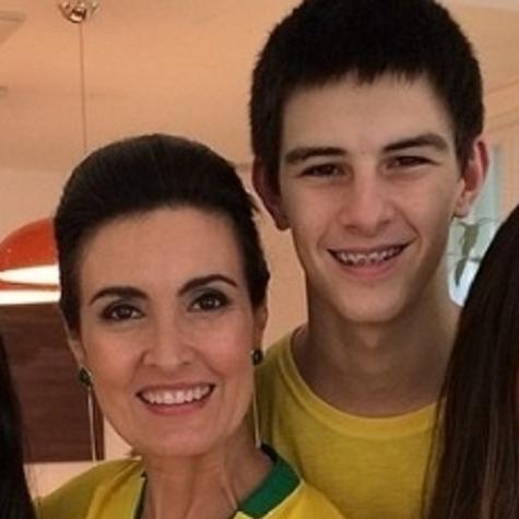 Fátima Bernardes com Vinícius (Foto: Reprodução)