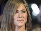 Jennifer Aniston desfila sua beleza em première em Londres