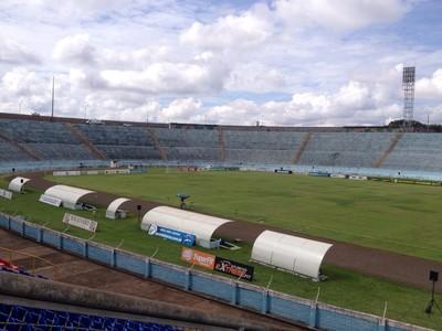 estádio do café londrina x atlético-pr (Foto: monique silva)