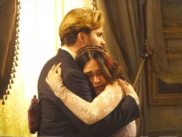 Catarina não finge tão bem assim (Foto: Lado a Lado / TV Globo)