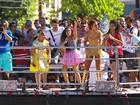 'Suor mais cheiroso', diz cantor do The Voice Kids no trio de Ivete na BA