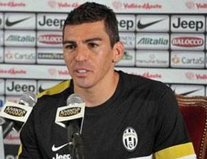 Lucio entrevista no Juventus (Foto: Site oficial do Juventus)