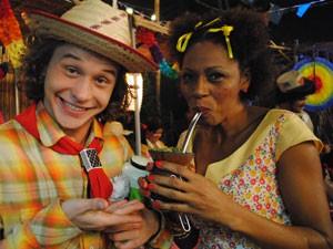 Edvana aproveitou e provou também (Foto: Malhação / Tv Globo)