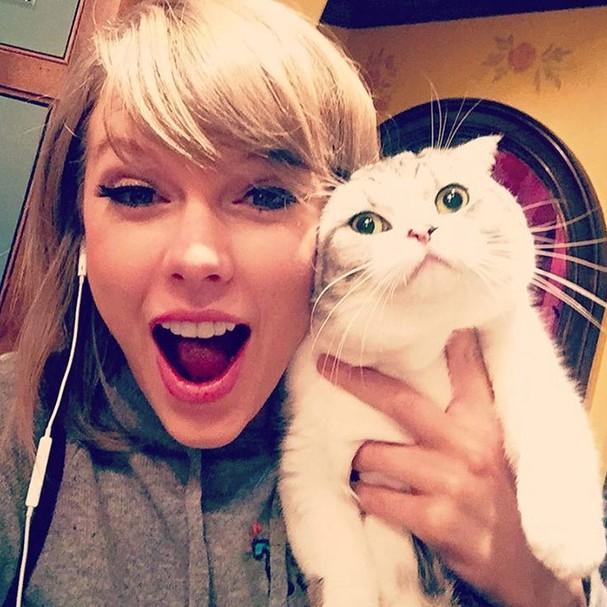 """Taylor Swift, uma verdadeira """"cat lady"""" (Foto: Instagram/Reprodução)"""