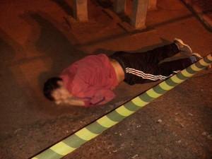 Homem foi linchado em Viamão, rs (Foto: Reprodução/Twitter)