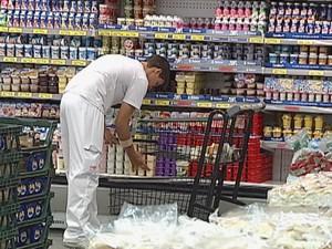Estão abertas várias vagas para supermercados (Foto: Reprodução/TV Tem)