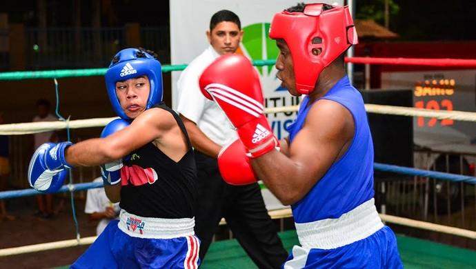 Belos duelos no Desafio de Boxe na praça Velia Coutinho (Foto: Divulgação)