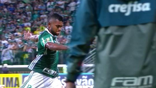 Irritação de Borja em substituição rende papo de técnico com elenco do Palmeiras