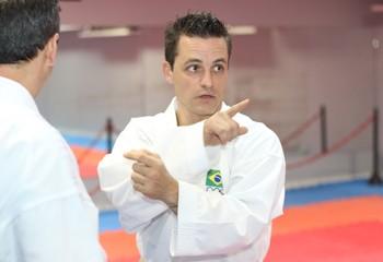 Ricardo Aguiar técnico seleção brasileira de caratê (Foto: Martinez Assessoria / Divulgação)