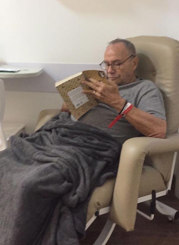 Stênio Garcia repousa em clínica no Rio de Janeiro (Foto: Arquivo pessoal)
