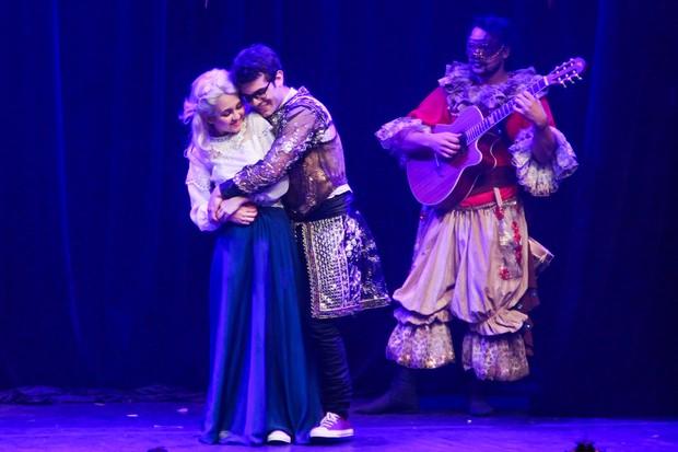 Klara Castanho na peça O Aprendiz de Feiticeiro (Foto: Manuela Scarpa/Brazil News)