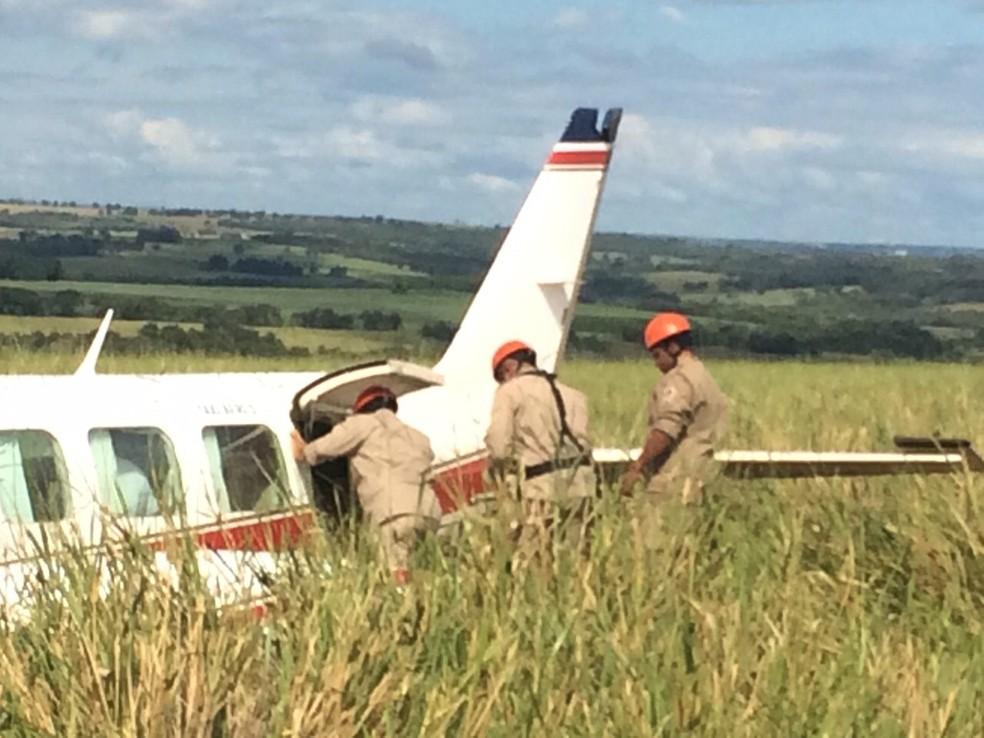 Avião com Angélica e Luciano Huck fez pouso forçado em MS (Foto: Alysson Maruyama/TV Morena)