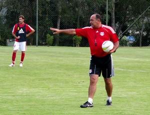 Ruy Scarpino comanda treino do RB Brasil (Foto: Divulgação RB Brasil)