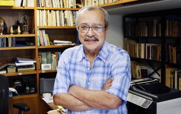 João Ubaldo Ribeiro, conhecido pelo ironia e pelo humor de seus textos (Foto: Agência O Globo)