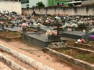 Cemitério São João del Rei (Foto: Reprodução/TV Integração)