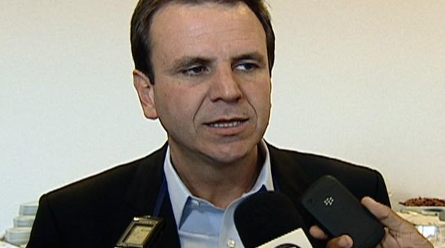 Eduardo Paes participa de feijoada com representantes da área do turismo